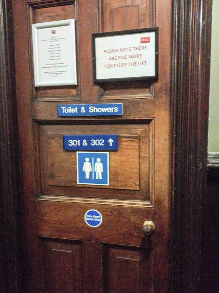 トイレのドアー